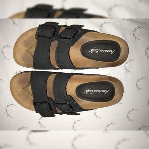 American Eagle Slip On sandals buckle berkenstock